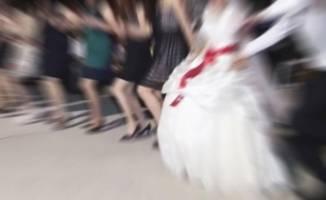 Düğünü basıp damadı vurdular!