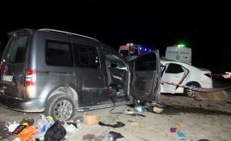 Korkunç kazada can pazarı! 2 ölü, 10 yaralı