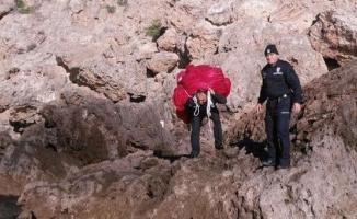 150 metrekarelik Türk Bayrağı denize düştü