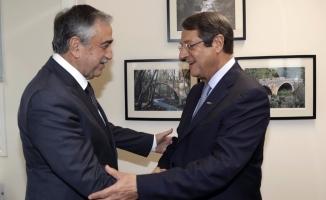 Kıbrıs müzakereleri yeniden başladı!