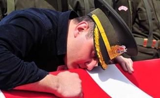 Şehit pilotun oğlu: Babam bir kahramandı onu alkışlayın