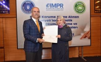 Suriyeliler Bursa'da Türkçe öğreniyor