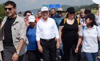 Kılıçdaroğlu'nun konvoyunda korkutan kaza!