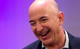 Bir anda dünyanın en zengin insanı oldu!