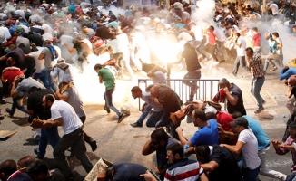 İsrail polisi namazdan çıkan cemaate saldırdı! Çok sayıda yaralı var