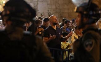 Kudüs'te 'öfke cuması': İsrail'den 50 yaş altı erkeklere yasak!