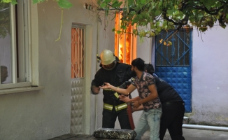 Bursa'da müstakil ev alev alev yandı
