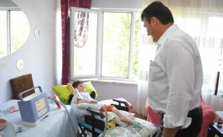 Bursa'da SMA hastası Muhammet'e Başkan Dündar'dan yardım eli