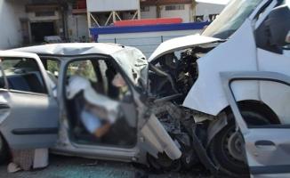 Korkunç kazada can pazarı yaşandı! Ölü ve yaralılar var