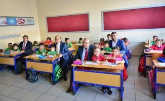 Bursa'da Başkan Edebali'den eğitime destek