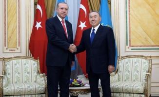 Erdoğan Kazakistan'da: Aksakalımıza teşekkür ediyorum