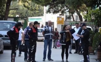 Bursa'da polisten okul önlerinde sıkı denetim
