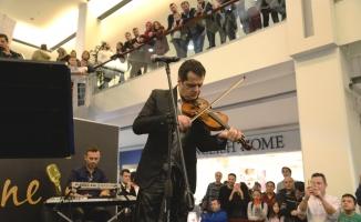 Akustik Sahne'de Ferda Anıl Yarkın rüzgarı