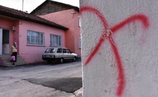 Alevilerin evlerine çarpı işareti! Polis araştırma başlattı
