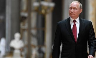 Putin görevi bırakıyor mu?