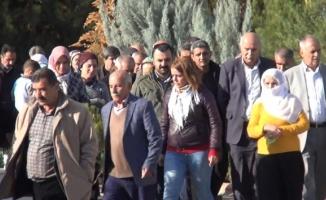 Terörist cenazesine katılan HDP'li vekile soruşturma!