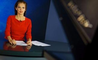 Yeni Rus sözcü güzelliğiyle dünyayı hayran bıraktı!