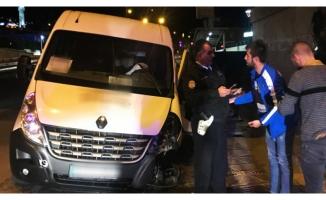 Bursa'da alkollü sürücü kaza yaptı, kendini yere atıp ağladı!