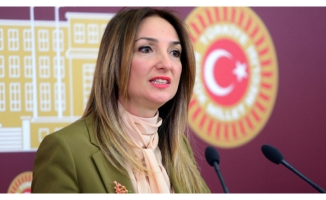 Milletvekili Aylin Nazlı Aka'dan CHP'ye sinyal