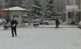 Bursa'ya beklenen kar geldi!