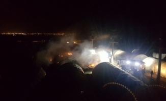 Polis ve askerlerin kaldığı çadır kentte yangın!