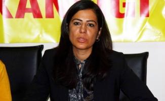 Ayla Akat Ata gözaltına alındı!