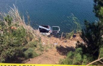 Piknik kabusa döndü! Gölete uçan otomobilden sağ kurtulan olmadı...