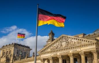 Almanya'da patlama! 2 bin kişi tahliye edildi...