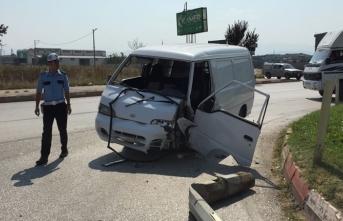Bursa'da korkunç kaza! 2 yaralı...