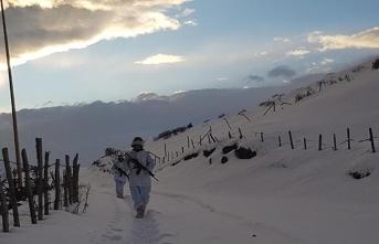 PKK sığınağında kar suyu taşıma sistemi