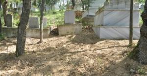 Mezarlıkta başı olmayan erkek cesedi bulundu