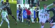 Cristiano Ronaldo rakibini yumrukladı