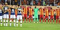 Galatasaray Fenerbahçe'yi geçti
