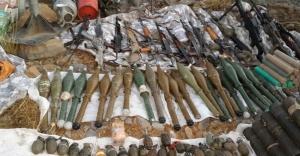 Hakkari'de çok sayıda silah ele geçirildi