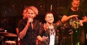 Serdar Ortaç'tan Soner Arıca'ya şarkı sözü