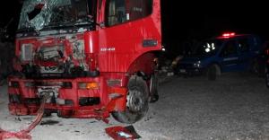 Tankerle kamyon kafa kafaya çarpıştı:...