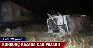 Tren işçi servisine çarptı: 3 ölü,...