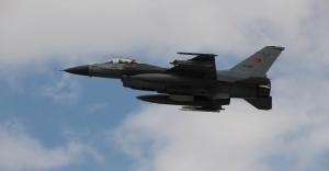 Türk jetleri PYD-YPG'yi vurdu