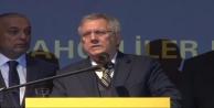 ''Fenerbahçe siyasetin içinde yoktur''