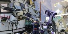 California'da otobüs TIR'a çarptı: 13 ölü