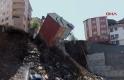 İstanbul'da dört katlı bir bina çöktü! İşte o anlar...