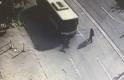 Bursa'da dehşet anları! Belediye otobüsü genç kıza böyle çarptı