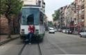 Bursa'da pes dedirten görüntü! Canını hiçe saydı