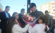 Aikido Ustası Nebi Vural Bilecik'te Çocuklar Tarafından Çiçekler İle Karşılandı
