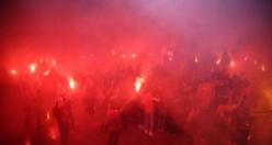Galatasaraylılar uyumadı! İşte fotoğraflarla 21. şampiyonluk kutlamaları