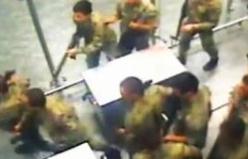 Atatürk Havalimanı'nı basan darbeci askerler kamerada!