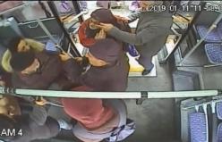 Bursa'da otobüsteki kavga kameraya yansıdı