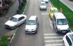 Bursa'da ilginç kazalar MOBESE'ye böyle yansıdı!