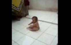 Ritmi yaşayan bebek