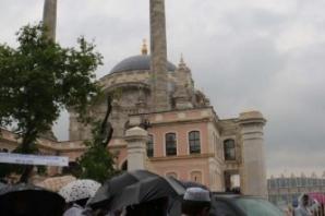 Başbakan Ortaköy Cami'sini açtı